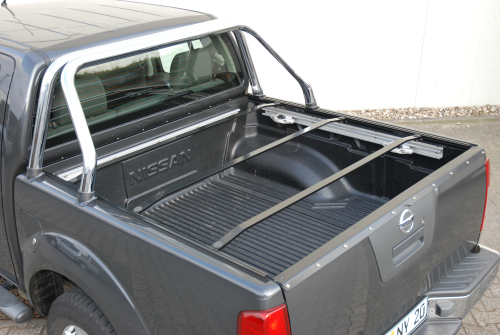 nissan d40 navara laderaumabdeckung mit org styling bar. Black Bedroom Furniture Sets. Home Design Ideas